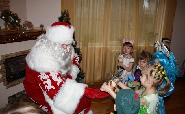 Thumbnail for - Сбор средств на покупку новогодних подарков деткам из малообеспеченных семей.